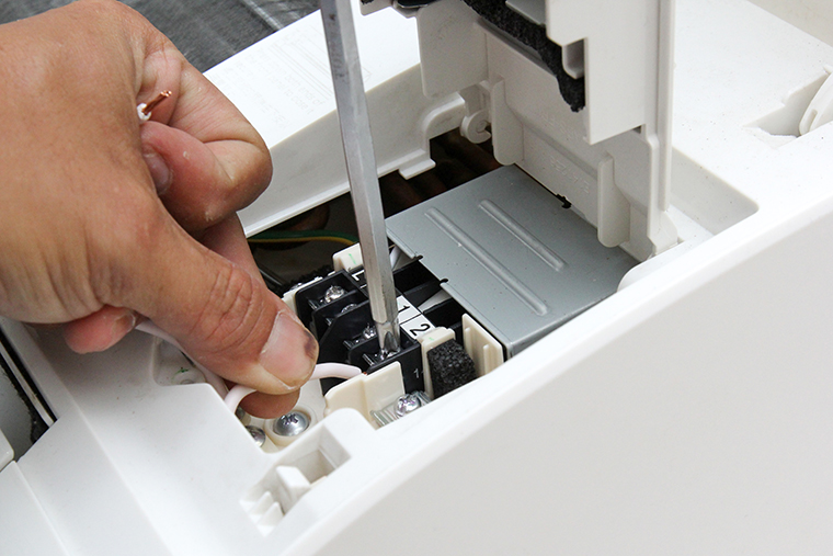 Lắp đặt máy lạnh âm trần 6