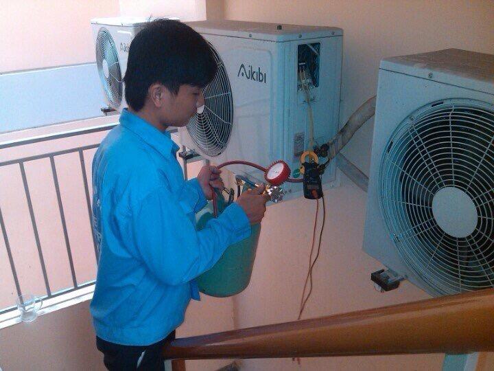 Lắp đặt máy lạnh âm trần 8