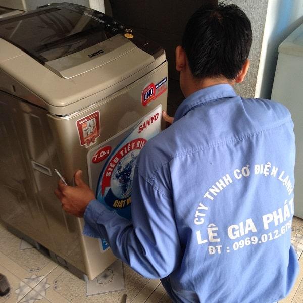 Vệ sinh máy giặt quận 9 2