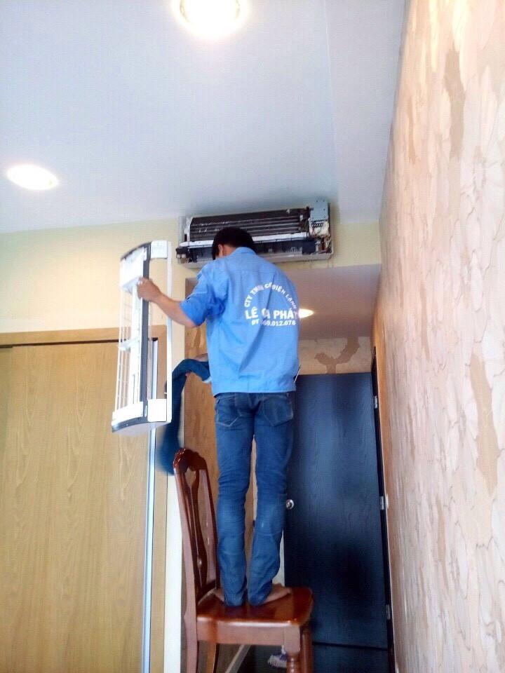 Kiểm tra vệ sinh máy lạnh quận 1